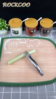 Kitchen Onion Vegetable Knife Cutter Graters Size:about Color: as photo Material: Stainless steel, Plastic. Feature: Perfect for cutting green onion, spring onion, vegetables ect. Made from durabl Cool Kitchen Gadgets, Kitchen Items, Kitchen Hacks, Kitchen Tools, Cool Kitchens, Kitchen Utensils, Kitchen Appliances, Cooking Gadgets, Cooking Tools