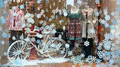 Anthropologie Window | Flickr: Christmas window display