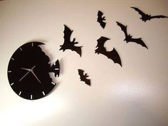 Awesome Bat Clock... Learn more here: https://www.thehunt.com/the-hunt/d6NgWh-bat-clock
