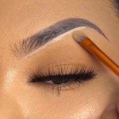 Durchsuchen - - Make Up Eyebrow Makeup Tips, Permanent Makeup Eyebrows, Best Makeup Tips, Makeup Dupes, Makeup Videos, Lip Makeup, Beauty Makeup, Beautiful Eyelashes, Makeup Tattoos
