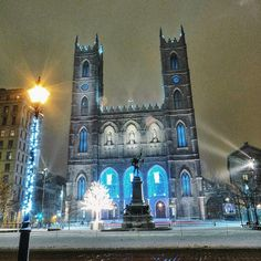 A snowy night in Montreal at the Basilica Notre Dame. Photo courtesy of somewhereinmontreal on Instagram.