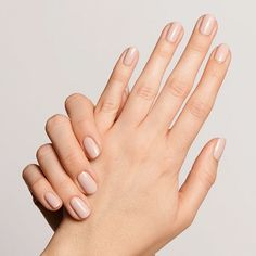 #AcrylicNailsNatural Gel Nails At Home, My Nails, Pale Nails, Short Nails, Long Nails, Short Natural Nails, Essie, Design Ongles Courts, Beauty Nail
