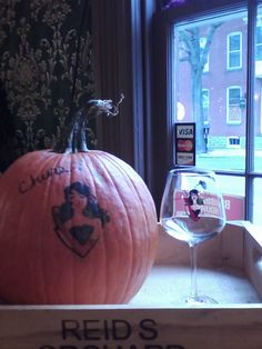 lots of things happening at reids orchard and winery this weekend https