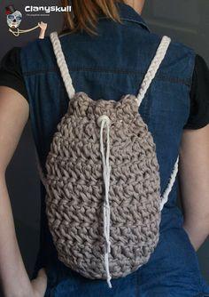 Clanyskull: Trapillo Crochet World, Knit Crochet, Fabric Yarn, Knitted Bags, Crochet Accessories, Handmade Bags, Lana, Drawstring Backpack, Tejidos