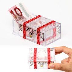 Geldgeschenke sind ja eher weniger originell. Mit dieser Geldgeschenk Box kannst du gegensteuern. Erfreue Knobelfreunde mit diesem Geduldsspiel – und natürlich mit dem Geld ;)   via www.monsterzeug.de