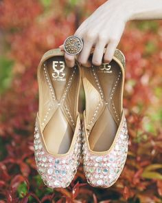 these shoes : try fizzy goblet or needledust should find similar jootis