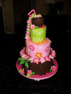 Tropical Baby Shower Cake Kylea sounds like a tropical/hawaiian name Dolphin Birthday Cakes, Luau Birthday, Birthday Parties, Hawaiian Baby Showers, Luau Baby Showers, Luau Cakes, Beach Cakes, Bird Cakes, Cupcake Cakes