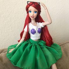 MmDisney Doll Collection — Hipster Ariel ✨ had this outfit. Disney Barbie Dolls, Ariel Doll, Disney Princess Dolls, Cinderella Disney, Disney Princess Dresses, Vintage Barbie Dolls, Little Mermaid Doll, Mermaid Barbie, Princesa Ariel Disney