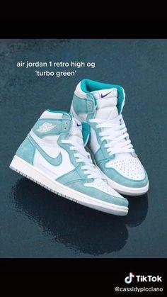 Girls Sneakers, Sneakers Fashion, Shoes Sneakers, Jordan Shoes Girls, Girls Shoes, Zapatillas Nike Jordan, Cute Clothing Stores, Harry Styles, Nike Air Shoes