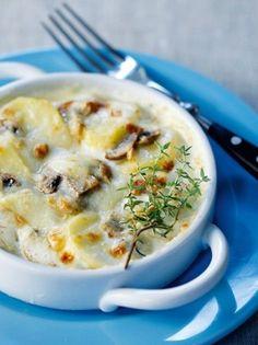 Γκρατέν με πατάτες και μανιτάρια - www.olivemagazine.gr Cheese Recipes, Cheeseburger Chowder, Recipies, Food And Drink, Appetizers, Soup, Tasty, Vegetables, Cooking