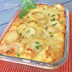 Cod and potatoes gratin Cuban Recipes, Portuguese Recipes, Fish Recipes, Seafood Recipes, Cooking Recipes, Healthy Recipes, Food Porn, Cuisine Diverse, Spanish Dishes