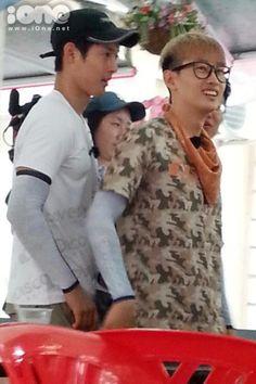 Kim Hyun Joong & Eunhyuk in Vietnam for Filming --- Barefoot Friends