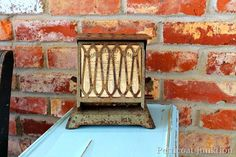 vintage-toaster-ephemera-display
