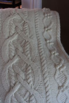 Erin Afghan by Lion Brand Yarn - Free pattern (project by Ravelry user yorkiegirl)