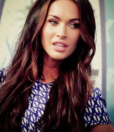 Megan Fox's caramel highlights. Just use Tony Odisho Extensions #17 in brunette hair to create the same look!