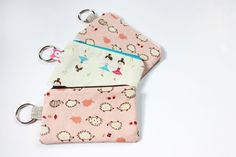 TUTORIAL: Lil Cutie Pouches, perfect for holding keys, cell phone, or other essential stuff you or your kids keep keep losing.