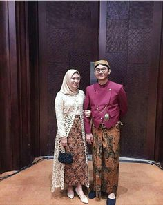 Long cardi bumil Kebaya Hijab, Batik Kebaya, Kebaya Dress, Kebaya Muslim, Batik Dress, Muslim Fashion, Hijab Fashion, Fashion Dresses, Mode Batik