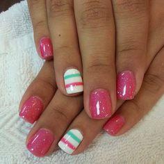 30 cute and simple nail designs for summer and spring. Simple french manicure designs,striped and dotted nail designs,rhinestone nail art Shellac Nails, Diy Nails, Nail Polish, Acrylic Nails, Glitter Nails, Sparkle Nails, Nail Nail, Nail Glue, Pink Polish