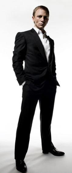 Daniel Craig Daniel Craig Style, Daniel Craig James Bond, Rachel Weisz, Daniel Graig, Bond Cars, Hollywood Actor, How To Look Classy, Strike A Pose, Stylish Men