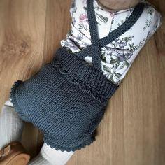 Pia (@piastrikk) • Instagram-bilder og - piastrikk#bytiddelibom #vårligromper #babyoutfit #strikkibruk #strikkemamma #babystrikk #strikkespam #strikkedilla #strikkeshorts #knittersofinstagram #knittinginspiration #ootd #sandnesgarn #newbiebykappahl