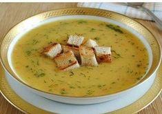 Κρεμώδης σούπα με κρουτόν Συστατικά: Πατάτες 500 g Στήθος κοτόπουλου – 500 g Κρεμμύδια – 2 μεσαία κρεμμύδια Καρότα – 100 g Κρουτόν Οποιοδήποτε σκληρό τυρί – 150 g Παρασκευή: Κόψτε το στήθος κοτόπουλου σε μικρά κομμάτια αφαιρώντας και τα κόκκαλα. Ρίξτε κρύο νερό, βράστε, προσέχουμε να ξαφρίζουμε συνεχώς στην αρχή: δηλαδή αφαιρούμε τον μαυριδερό […] The post Κρεμώδης σούπα με κρουτόν appeared first on Η Μαγειρική ανήκει σε όλους.