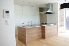 上手にお片付けできるキッチン Decor, Storage, Living Room Kitchen, Shelves, Interior, Kitchen Living, House, Kitchen, Bookshelves