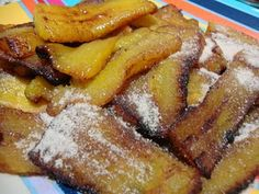 banana frita (doce) - Fried banana. A different version similar to the Spanish. Though iIt's sweeter, crispier on the outside and softer inside.