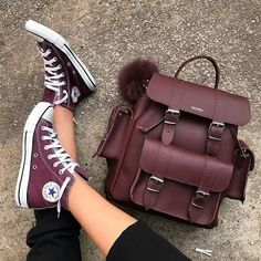 Grafea backpack new styles – Just Trendy Girls Sock Shoes, Cute Shoes, Me Too Shoes, Converse All Star, Converse Shoes, Shoes Heels, Converse Style, Backpacks For College Girl, College Girls