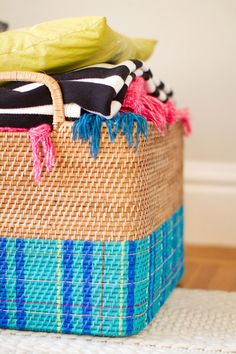 How to create your own modern tartan blanket basket by @Audrey ♥ This Little Street! #DIY