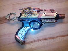 Mein 1. Versuch einer Steampunk Pistole