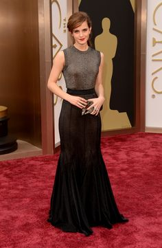 Emma Watson Rocks Metallic on Oscars 2014 Red Carpet!: Photo Emma Watson is breathtakingly gorgeous in a metallic ensemble at the 2014 Academy Awards held at the Dolby Theatre on Sunday (March in Hollywood. Emma Watson 2014, Style Emma Watson, Emma Watson Stil, Emma Watson Gown, Emma Watson Fashion, Emma Watson Outfits, Emily Watson, Celebrity Outfits, Celebrity Look