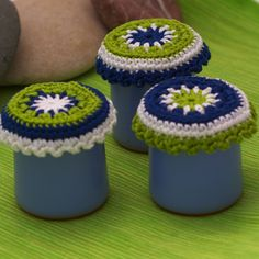 Crochet cover of small cermer clay pots