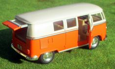 "VW Bus T 1 ""Bulli""  Maßstab ca. 1:32 Rückziehmotor mit Heck und Seitentür Ford Raptor, Vw Modelle, Mercedes Benz, Vw Passat Variant, T2 Bus, Busse, Vw T1, Vehicles, Ebay"