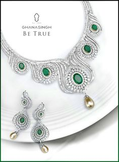 #DidYouKnow fine Emeralds were believed to be good for the eyes? #Jewellery #Facts