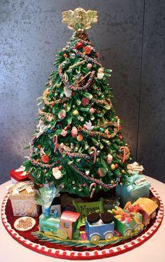 Rosebud cakes - this is a perfect Christmas cake - gorgeous! Christmas Cake Decorations, Christmas Cupcakes, Christmas Sweets, Holiday Cakes, Christmas Cooking, Christmas Goodies, Xmas Cakes, Rosebud Cakes, Christmas Tree Train