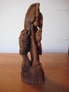 Buri (oldnord. »avler, fader«):  Nordisk urjætte og gudernes forfader.  Han blev slikket frem fra de salte isblokke af urkoen Audhumbla.  Buri er »fader« til Borr.  Foto: Skabelsesberetningen i den nordiske mytologi fortæller om Ymer, der dier Audhumbla, medens hun slikker Bure (Odins bedstefar) fri af stenen. Her er dyret anbragt  på højkant for ikke at gå for tæt på Kai Nielsens Ymerbrønd i Fåborg.