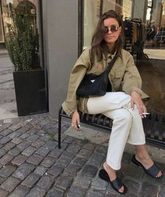 never out of style Women's Summer Fashion, Look Fashion, 90s Fashion, Korean Fashion, Womens Fashion, Fashion Ideas, Winter Fashion, Fashion Outfits, Fashion Trends