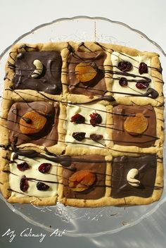 Wielkanocny mazurek czekoladowy Waffles, Easter, Breakfast, Kitchen, Food, Poland, Cooking Recipes, Morning Coffee, Cooking
