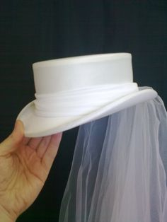 Wedding Top Hat, Pirate Wedding, Bride Hats, Civil Wedding Dresses, Victorian Hats, Fancy Hats, Fascinator Hats, Wedding With Kids, Derby Hats