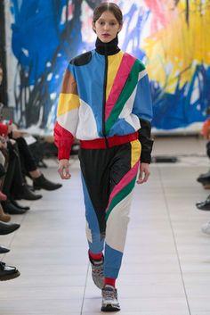 Anton Belinskiy Kiev Fall 2015 Fashion Show Fashion News, High Fashion, Fashion Beauty, Fashion Show, Fashion Design, Fashion Women, Women's Fashion, Cubism Fashion, Future Fashion