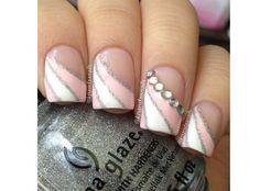 Paznokcie nude z cyrkonią. Najpiekniejszy manicure na ślub i wesele - Strona 2