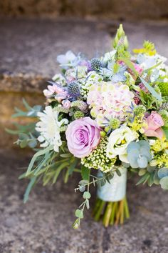 Pink Blue Bouquet Flowers Roses Bride Bridal Pretty Fresh Summer Wedding http://www.charlotterazzellphotography.com/