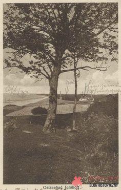 Jarosławiec widok z wydm na stacje sygnalizacji przeciwmgłowej, pocztówka bez obiegu.
