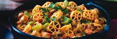 Spicy Salsa Beef Pasta Substitute - Scooby Doo Noodles (fun for kids) Leave out the green pepper & celery Use a mild salsa (kids will like it better) Pasta Recipes, Beef Recipes, Cooking Recipes, Healthy Recipes, Spicy Pasta, Beef Pasta, Campbells Soup Recipes, Pasta Casserole, Crock Pot Slow Cooker