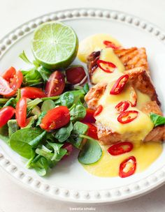 Salmon with mango sauce Beef Recipes, Chicken Recipes, Snack Recipes, Healthy Recipes, Snacks, Healthy Food, Mango Sauce, Lactose Free Recipes, Fish And Seafood