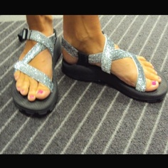 Glitter Chacos... Some one just took glitter ribbon and used hot glue to glue it to the straps of Chacos! Way cool have to try this out!!