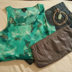 Digital Print High-Low Top Colorful summer top with shades of teal, grey, and white. Perfect with shorts or dress it up for the office. Excellent condition. Mossimo Supply Co. Tops Tank Tops