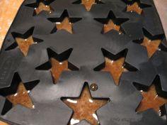 Kermakolat Kotikokki.netin nimimerkki Mailon ohjeella Flag, Candy, Chocolate, Baking, Yum Yum, Art, Art Background, Bakken, Kunst