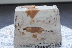 Vegan - tagein, tagaus : Veganes Snickers-Eis ohne Eismaschine (und ohne Bananen)