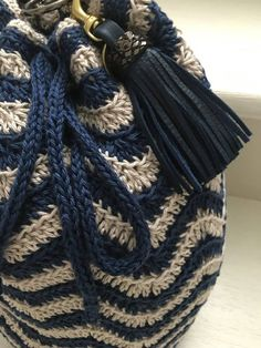 Crochet Chevron Handbag Video Tutorial By AnnooCrochet Designs